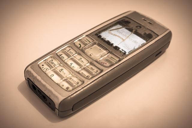 Život bez wi-fi, aplikácií a mobily s klávesnicou. Pamätáte sa?