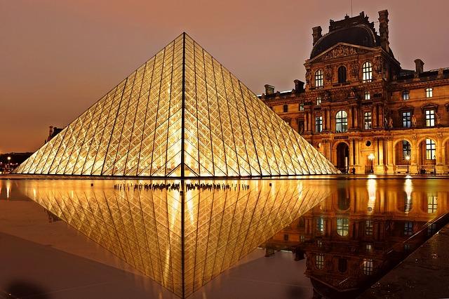 louvre pyramida