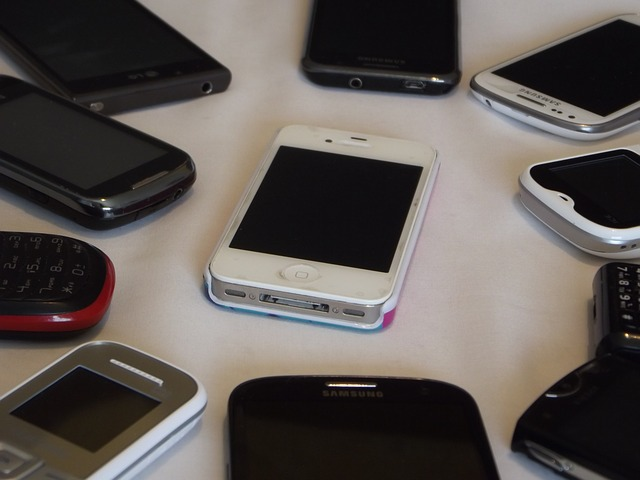 Mobilné telefóny.jpg